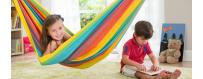 Lasten ja vauvojen riippumatot on tarkasti leikattu ja suunniteltu juuri lasten ja vauvojen tarpeiden mukaisesti