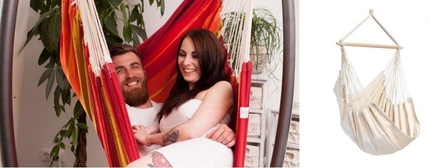 Riippumatot ovat täydellisiä sekä aikuisille että lapsille, rentoutukseen ja leikkeihin. Laadukkaat verhoillut riipputuolit.